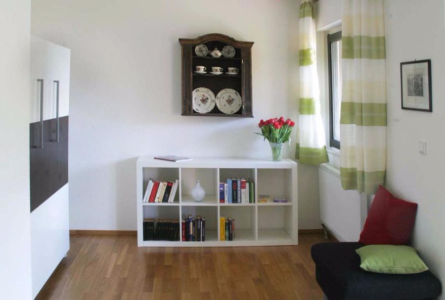offener schrank vorhang offener schrank selber bauen begehbaren bauen bei hornbach with offener. Black Bedroom Furniture Sets. Home Design Ideas